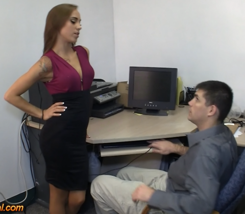 Sasha-Foxxx-tells-her-boss-that-SHEs-in-Charge.wmv_snapshot_00.02.png